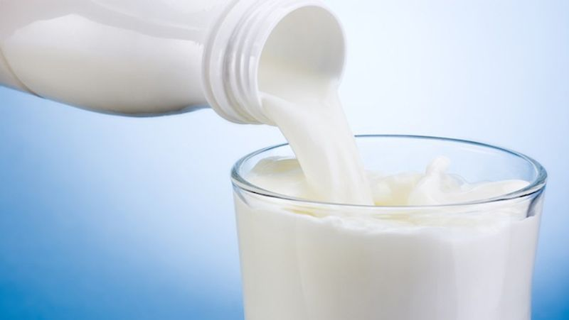 <p><strong>Milk:</strong> Milk naturally has a lot of goodness, which is exactly why this has been used in different skincare products, it contains two vital proteins known as casein and whey. These two trigger and stimulate the growth of healthy hair. Doing this on a daily basis will give you the desired results.<br /> <strong>Method:</strong> Soak the cotton ball in the milk. Gently massage your eyebrows with the cotton. Keep it on for 15 minutes and wash with water.</p>