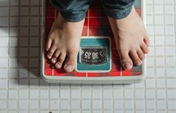 <p><strong>How to measure progress?</strong><br /> &nbsp;</p>  <p>Regular monitoring of body weight (once a week) may help to provide a roadmap ahead. Aiming to lose approximately one pound per week may be more realistic.&nbsp;<br /> &nbsp;</p>  <p>However more than the body weight, it is the waist size which matters more as various studies have shown that central obesity carries higher risk of chronic illness and death.</p>